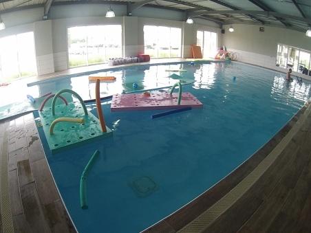 piscine bébé nageur