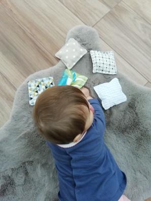 sacs sensoriels DIY et bébé