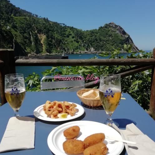 Calamars, croquettes au jambon et San Miguel bien fraîche!